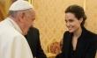 Angelina Jolie spotyka się z papieżem przy okazji pokazu filmu Niezłomny  - Zdjęcie nr 1