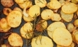Barszcz z pieczonymi ziemniakami
