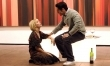 """Elisha Cuthbert i Jesse Bradford w filmie """"Kłopoty z blondynką"""""""