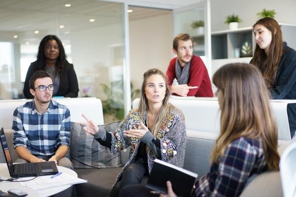 Zabieraj głos na grupowych spotkaniach