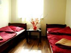 Royal Hostel - tanie pokoje z łazienkami i TV