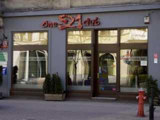 One-21 Club - zdjęcie