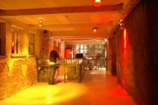 M 25 Klub - zdjęcie
