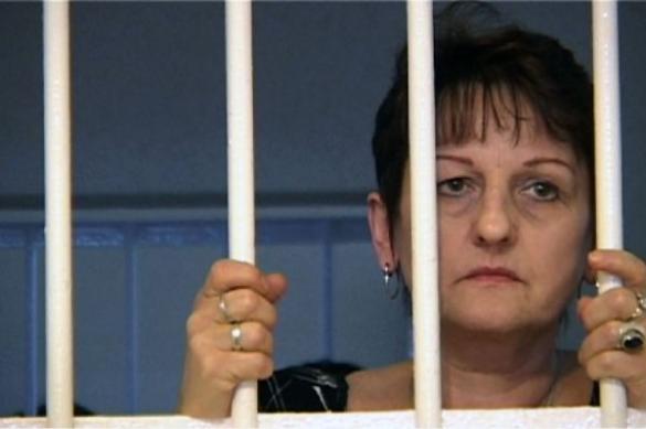 Trylogia więzienna - Bad Girls, cela 77