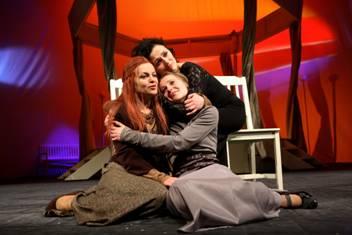 Przegląd Teatrobranie: A. Czechow - Trzy siostry