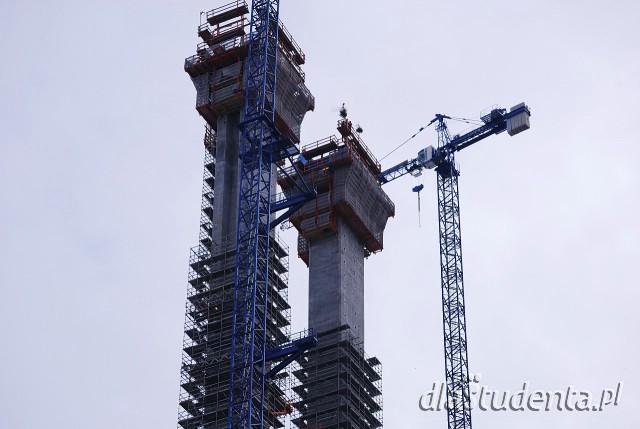 Wiecha na pylonie Mostu Rędzińskiego - AOW
