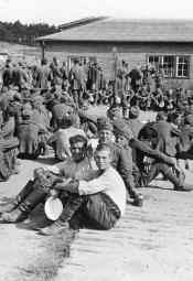 Jeńcy wojenni w okupowanym Krakowie 1939-1945