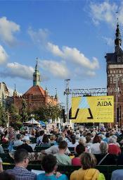 """""""Cyganeria"""" z The Metropolitan Opera na Targu Węglowym w Gdańsku"""