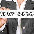 Pracodawca może odwołać pracownika z urlopu wypoczynkowego, ale może to być dla firmy kosztowna decyzja - prawo, praca, urlop, pracodawca
