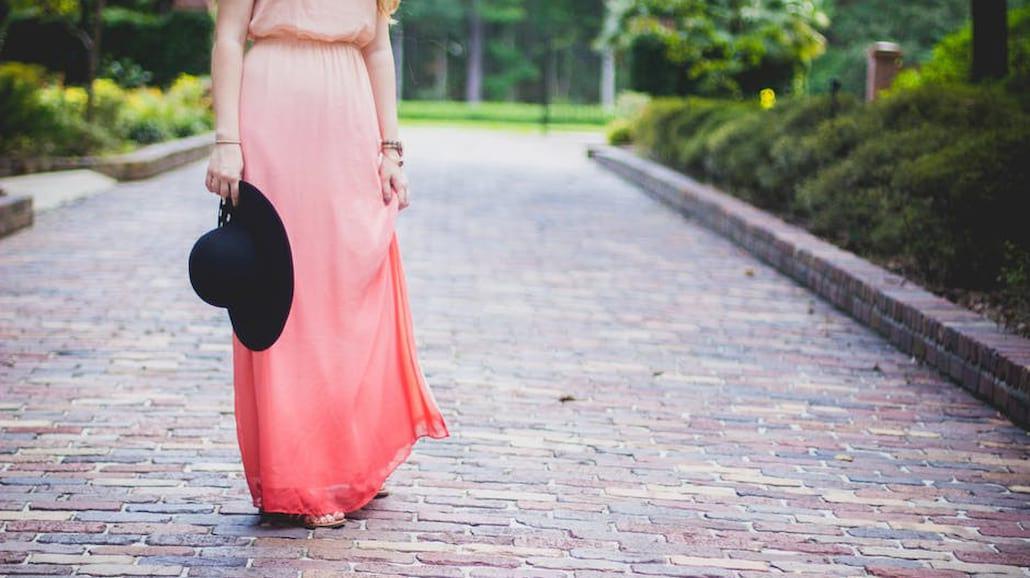 Trendy w modzie na wiosnę i lato – to będzie się nosić!