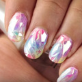 Szklane paznokcie - hit lata! Zobacz, jak wykona� taki manicure [WIDEO] - manicure glass, glass nails, szklany manicure