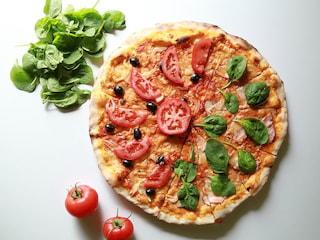 8 ciekawostek na temat pizzy, które was zaskoczą! - Międzynarodowy Dzień Pizzy, ciekawostki o pizzy, przepis na pizzę, prosta pizza, tania pizza, pizza
