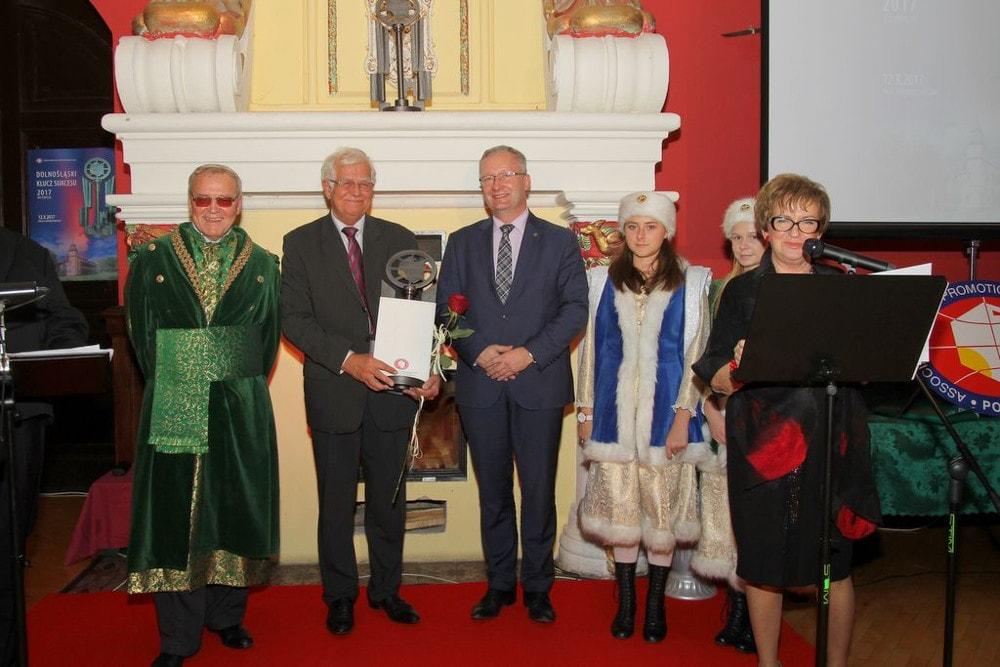 Uczelnia otrzymała wyróżnienie specjalne i tytuł Wiodącej Uczelni Logistycznej w Polsce.
