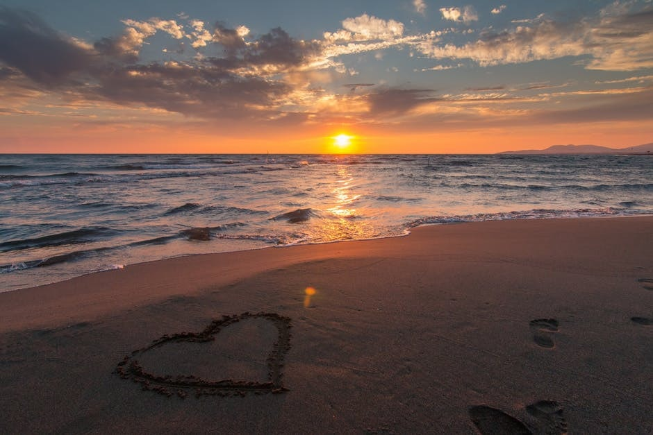serce na plaży