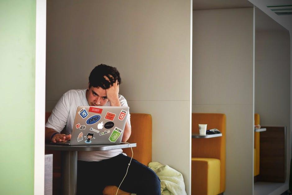 Domeną studenta jest brak systematycznej pracy i nauka na ostatnią chwilę do sesji.