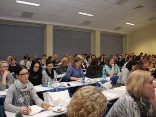 Nauczyciele dyskutowali, jak zach�ci� m�odzie� do nauki logistyki - wy�sza szko�a logistyki wsl pozna� forum nauczycielskie egzaminy zawodowe zmiana zasad technik