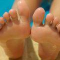 Jak zadba� o stopy? - peeling, stopy, odciski