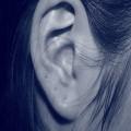 Jak zatuszowa� odstaj�ce uszy? - odstaj�ce uszy, sposoby na odstaj�ce uszy