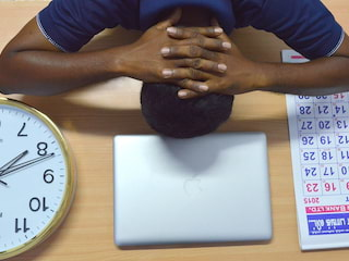 Skuteczne sposoby na tremę i stres w pracy - sposoby na stres, jak zwalczyć stres, trema, stres w pracy