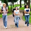 Choroba dyplomu - choraba dyplomu młodzi na rynku pracy bierność wykształcenie zatrudnienie etat umowa o pracę