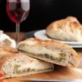 Stromboli-konkurencja dla popularnej pizzy - stromboli, pizza, broku�y, ser