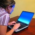 """""""Napewno"""" i """"wzi���"""". Internet pe�ny b��d�w j�zykowych - Instytut Monitorowania Medi�w, b�edy j�zykowe internet, pleonazm,"""