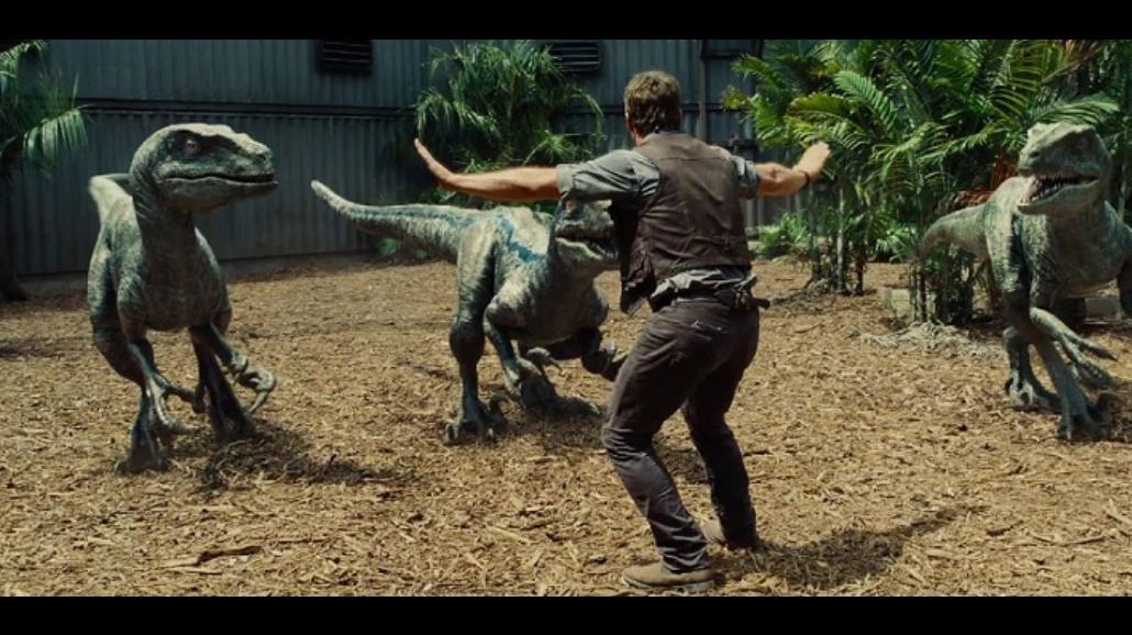 """Scena z """"Jurassic World"""" nowym hitem sieci! [ZDJĘCIA, MEMY]"""