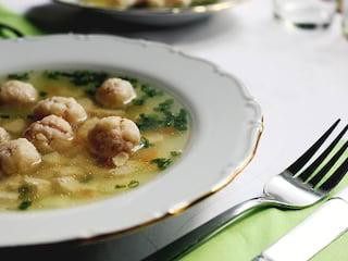 Przepis na rozgrzewający rosół - jak zrobić rosół, domowy rosół, przepis na zupę