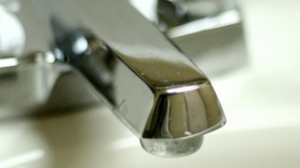 Warto zainwestować w dystrybutor do wody w domu