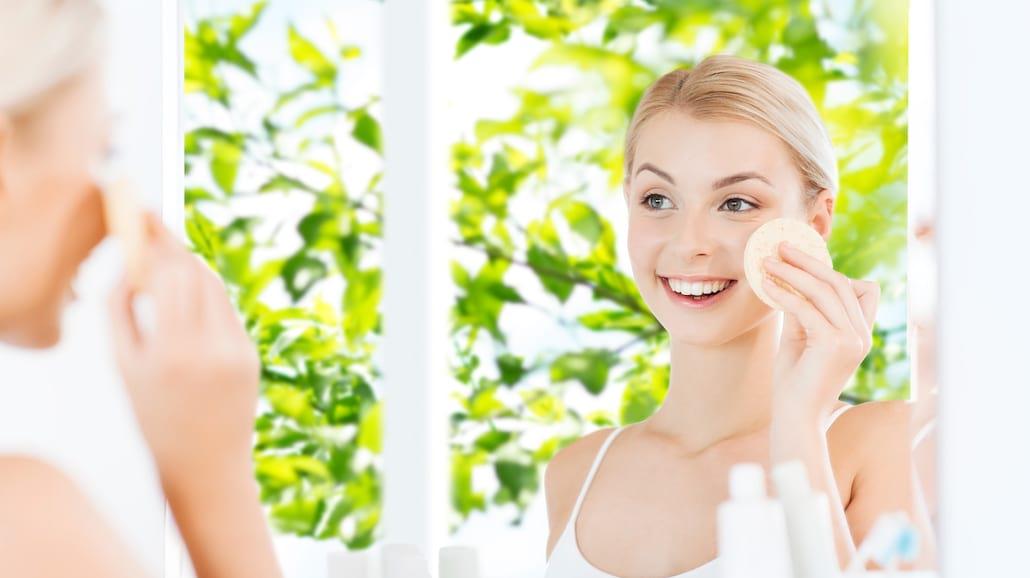 Peelingi do twarzy. Jak pomagajÄ… Twojej skÃłrze? (kobieta.dlastudenta.pl) Peelingi do twarzy. Jak pomagajÄ… Twojej skÃłrze?