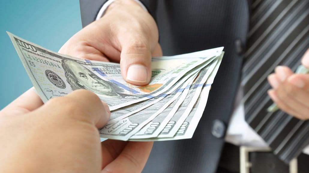 Kredyt a pożyczka. Czym się różnią?