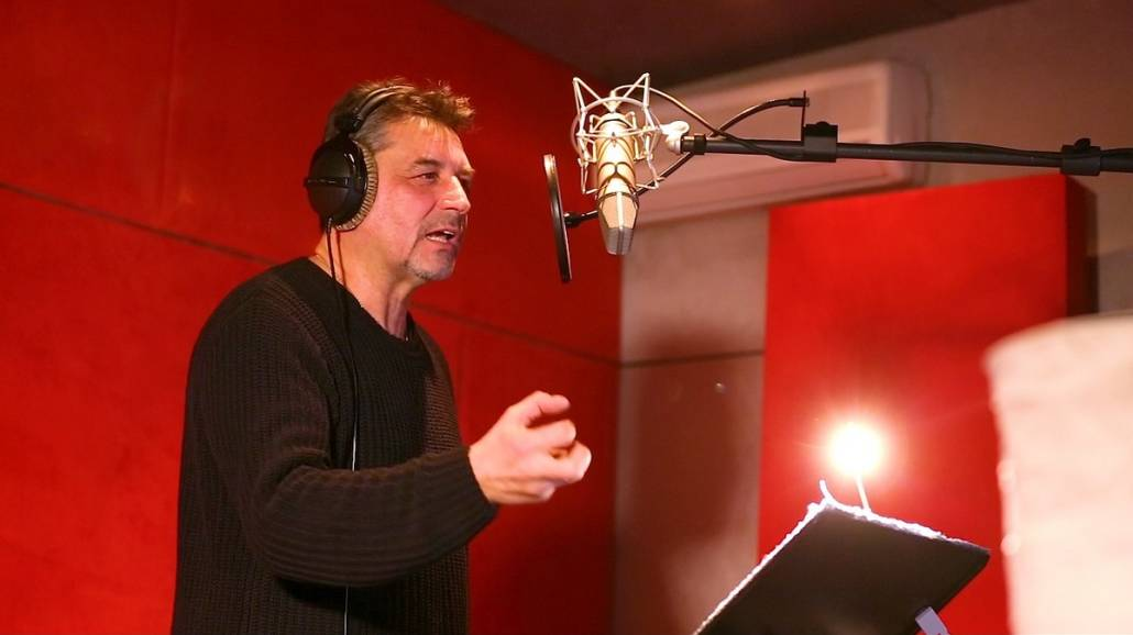 God of War Artur Dziurman dubbing