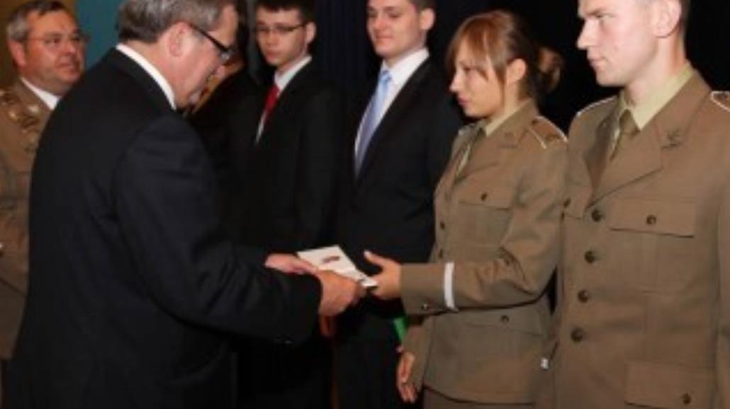 Kobieta i wojsko, czyli o studiach w mundurze