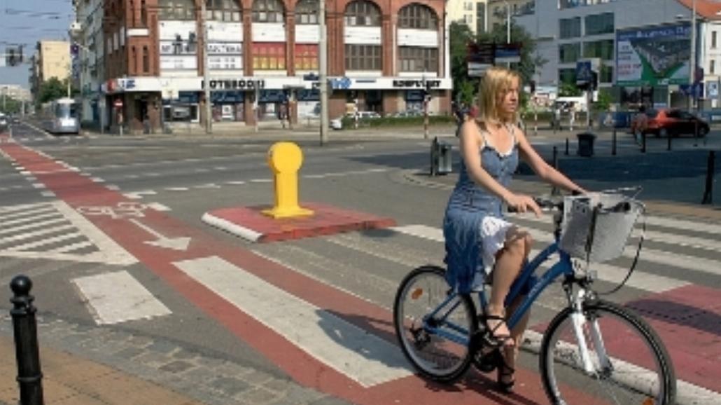 Rowerzyści odzyskują polskie miasta