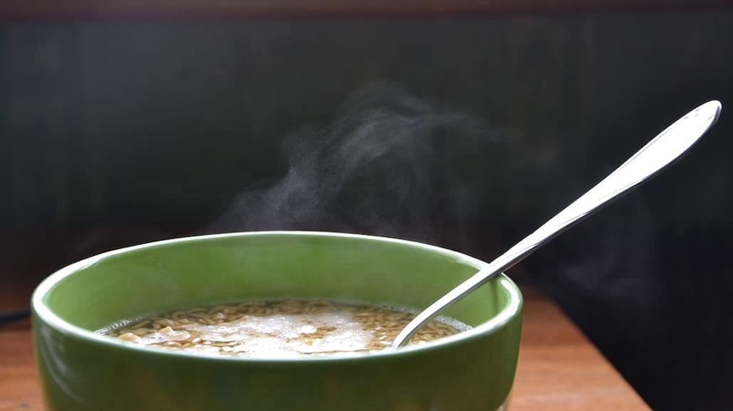 Dania błyskawiczne: czy warto je jeść?