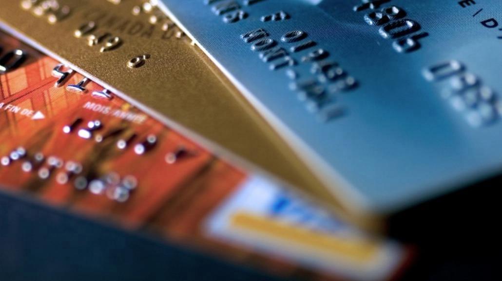 Ile kosztuje karta kredytowa dla studenta?