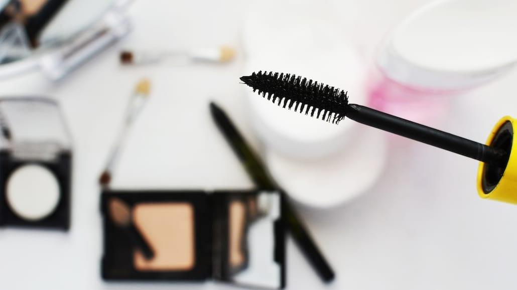 Jak dobrać odpowiedni kosmetyk do demakijażu?