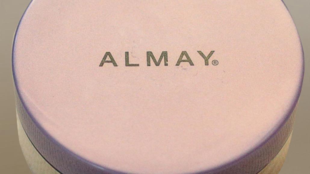 Testujemy puder sypki Almay [RECENZJA]