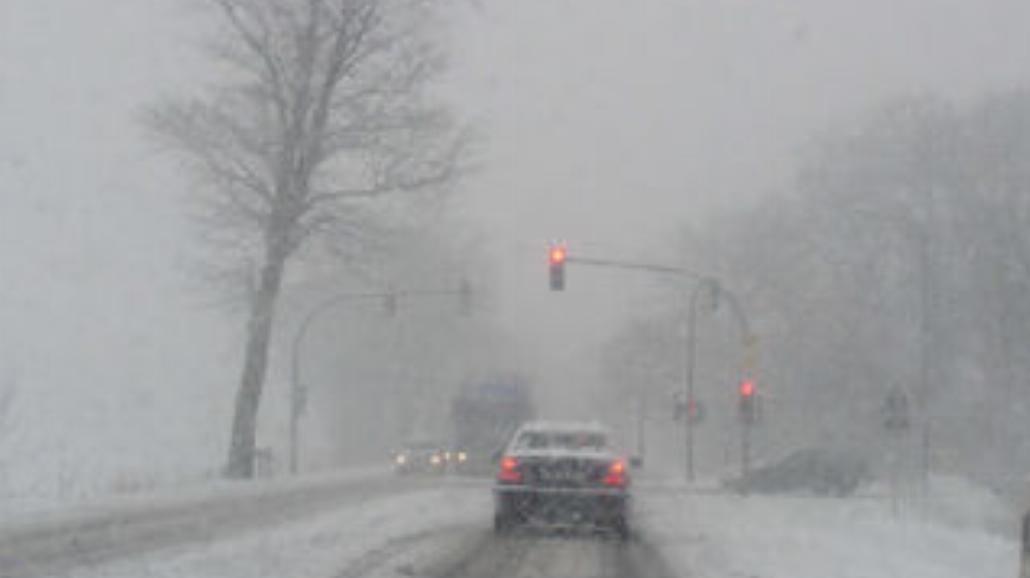 Jak należy prowadzić auto w zimie?
