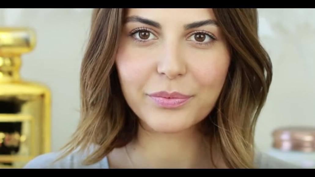 No make up, czyli naturalny makijaż. Zobacz, jak go wykonać [WIDEO]