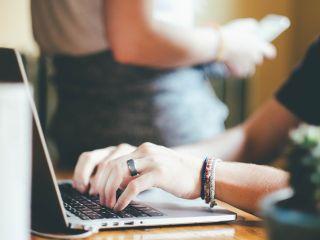 Jak zadbać o szatę edytorską pracy dyplomowej? - font, stopień pisma, interlinia, justowanie, dzielenie wyrazów, wyróżnienia, instrukcja, wygląd
