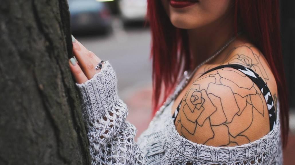 Zobacz najpopularniejsze wzory kobiecych tatuaÅźy!