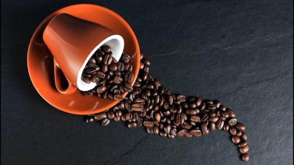Smakowe kawy - niebanalny zastrzyk energii na zimę