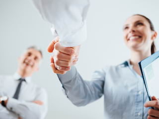 Te zachowania mogą przekreślić nawet najlepsze CV - praca, rozmowa kwalifikacyjna, wtopy, czego nie robić, porady, cv