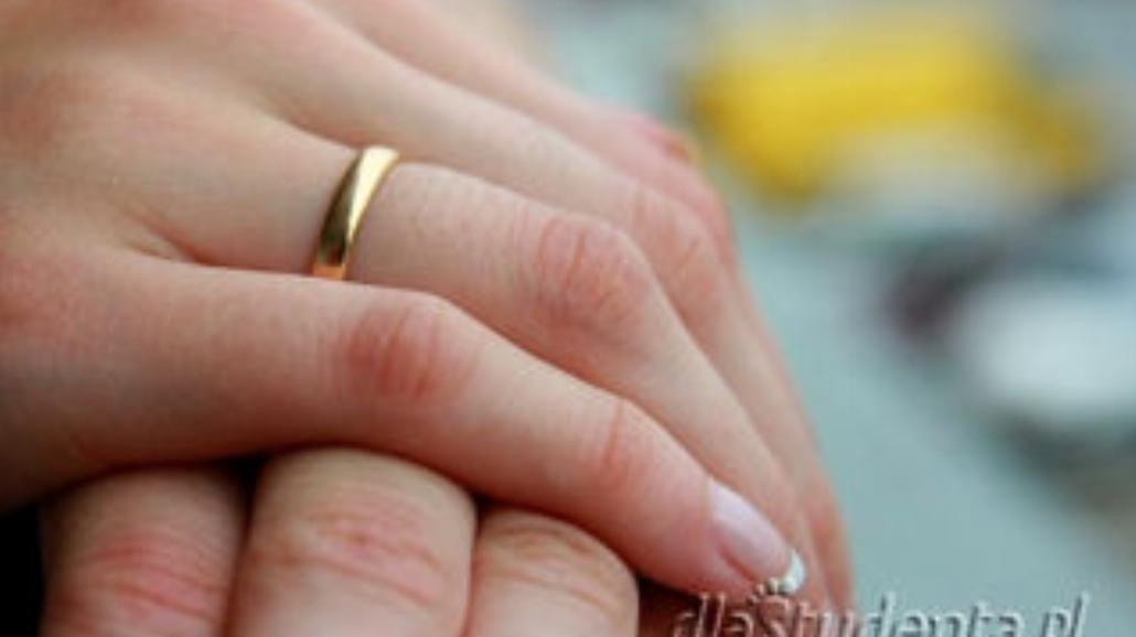 Żenująca ślubna otoczka?