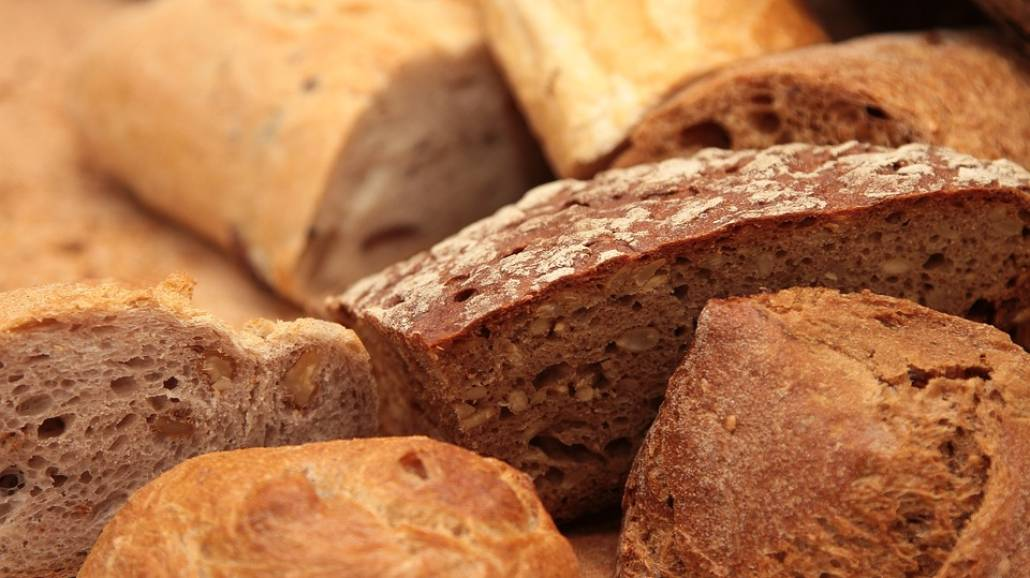 Jak odÅ›wieÅźyć chleb?