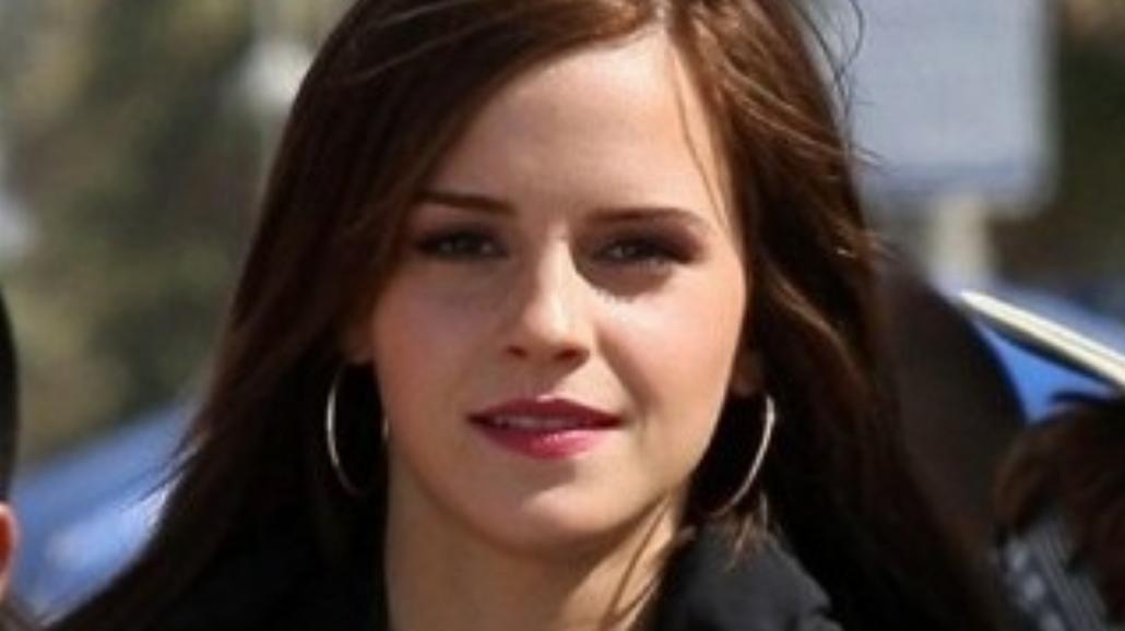 Emma Watson tańczy na rurze?