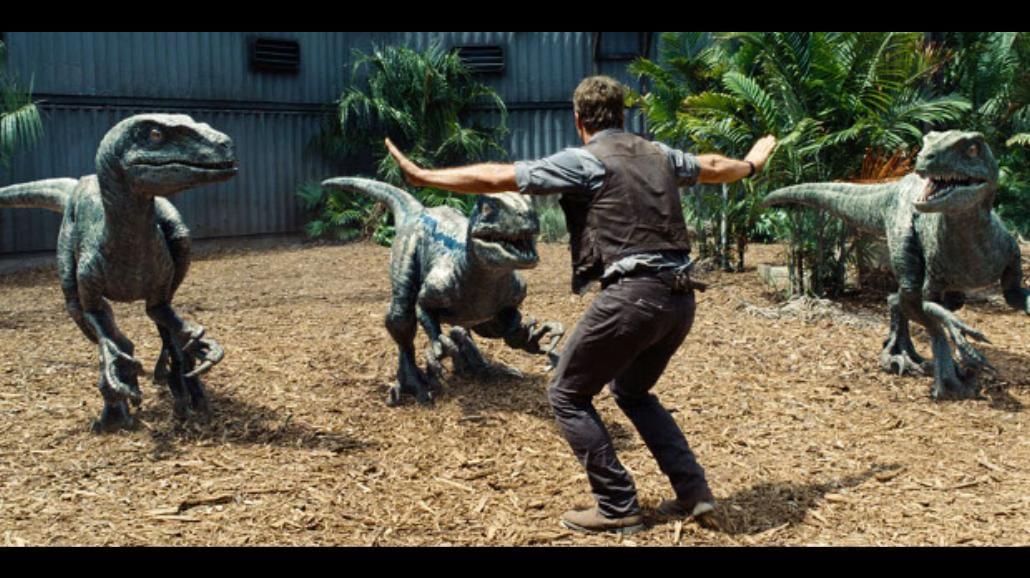 Jurassic World zarobił miliard dolarów w niecałe 2 tygodnie