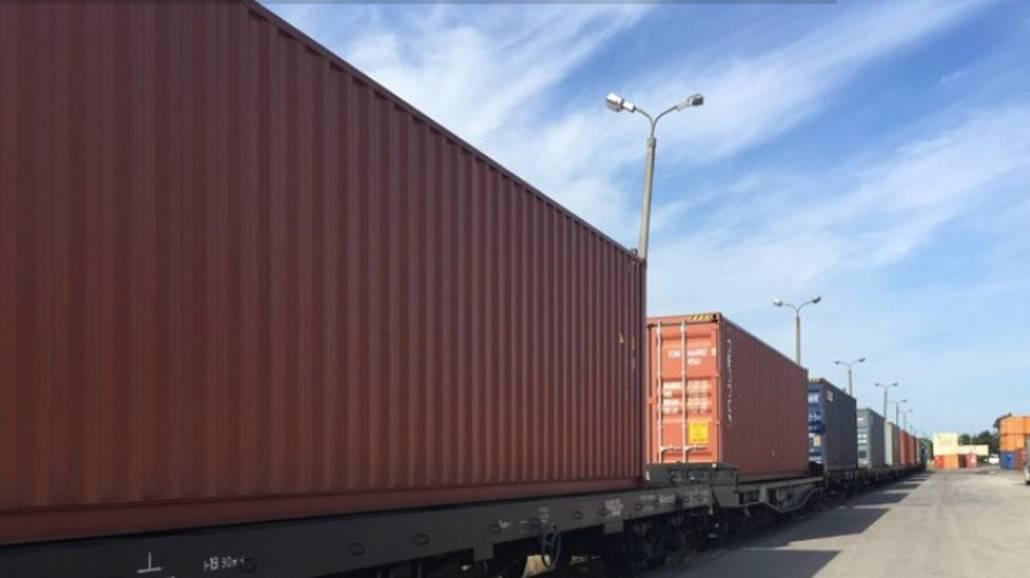 Zobacz, jaki rodzaj kontenerÃłw jest najlepszy do transportu towarÃłw!