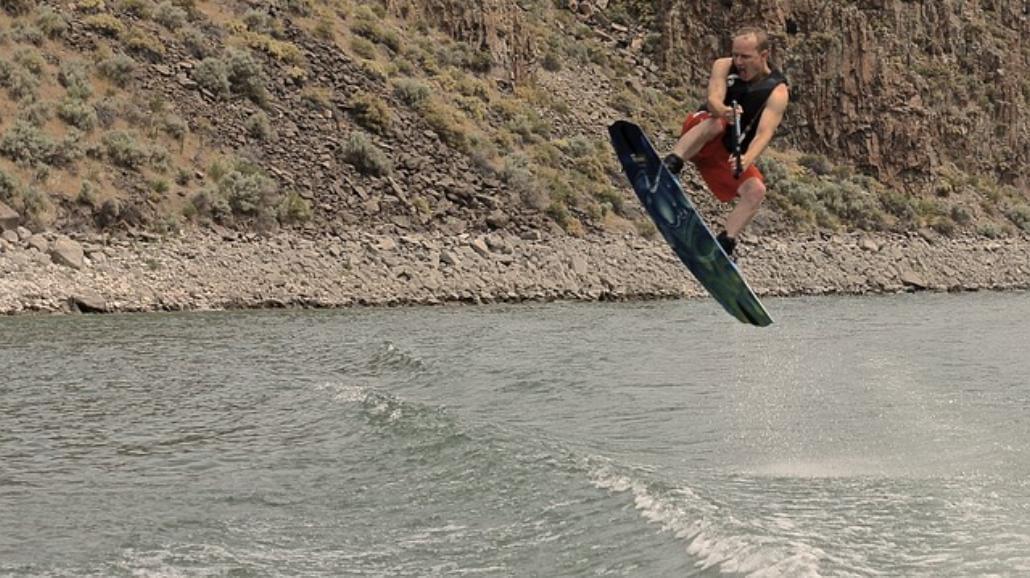 Boom na wakeboarding. Ćwiczyć można nie tylko nad morzem